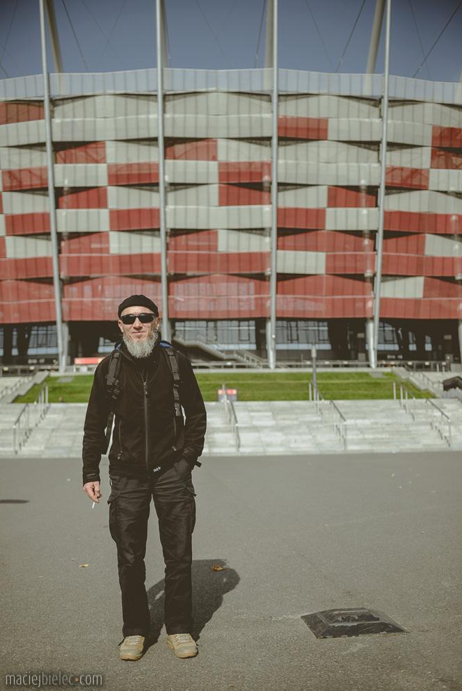 Islamista przed Stadionem Narodowym