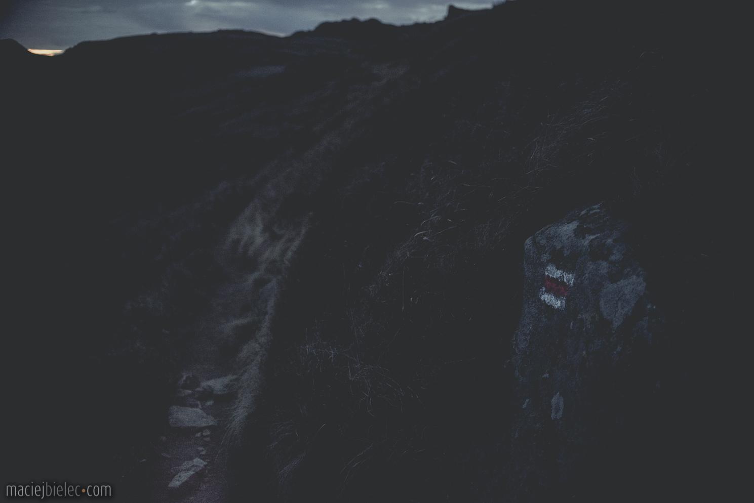 Szlak bieszczadzki nocą