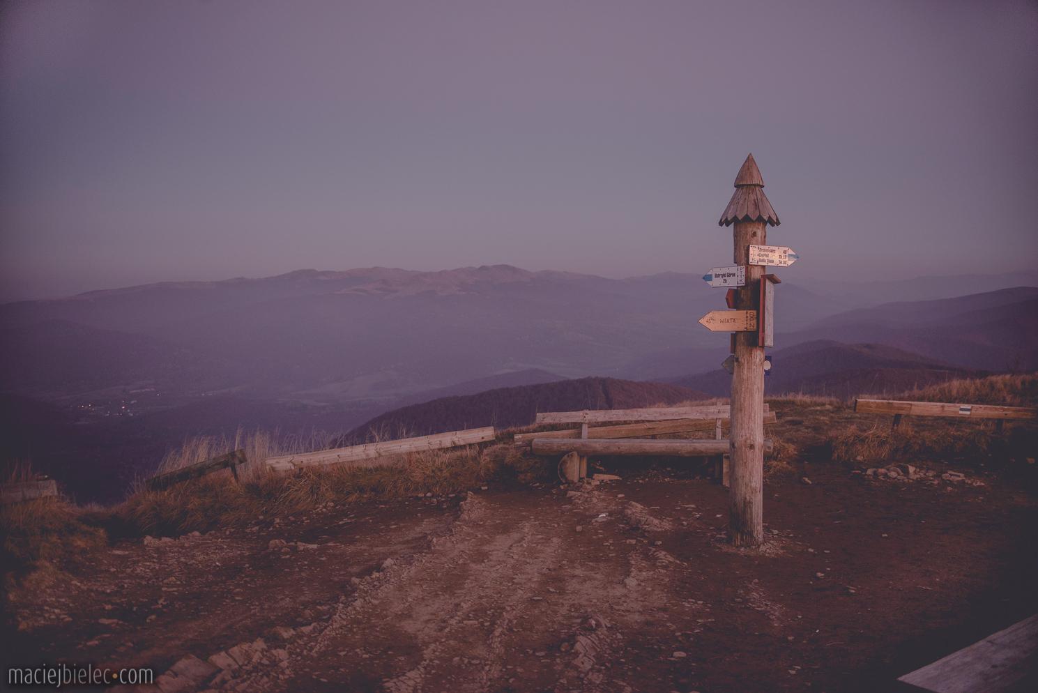 Różowy zachód słońca Bieszczady